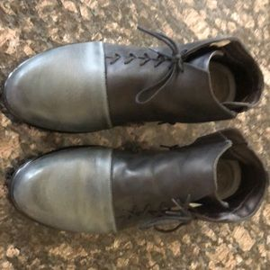 Naot black and grey side lace boot. 8.5